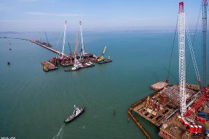 Строительство фарватера Крымского моста, 13 марта ©Фото Юга.ру