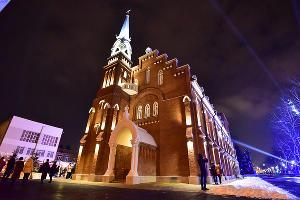 Владикавказская филармония расположена в бывшем здании лютеранской кирхи ©Антон Подгайко, ЮГА.ру