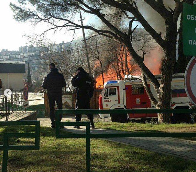 Пожар уничтожил вЯлте кафе «Укабана»