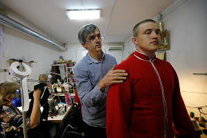 Пошив новой формы казаков ©Влад Александров, ЮГА.ру