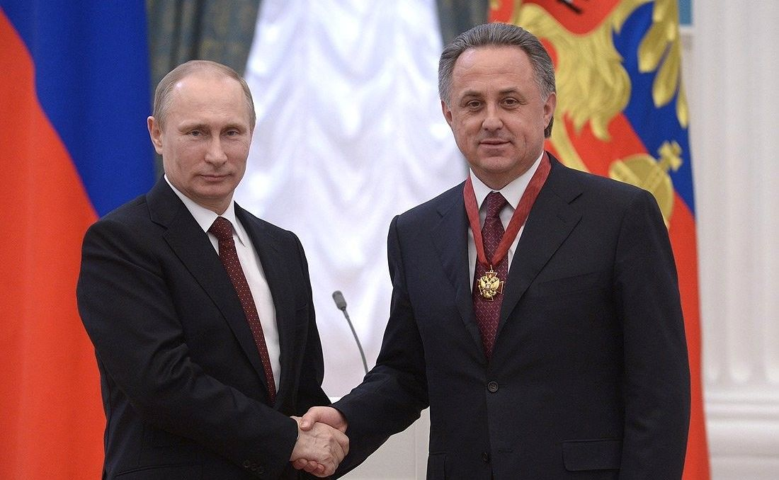 Владимир Путин награждает Виталия Мутко орденом «За заслуги перед Отечеством»