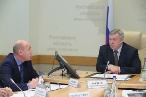 Владимир Крупин и Василий Голубев  ©Фото пресс-службы губернатора Ростовской области