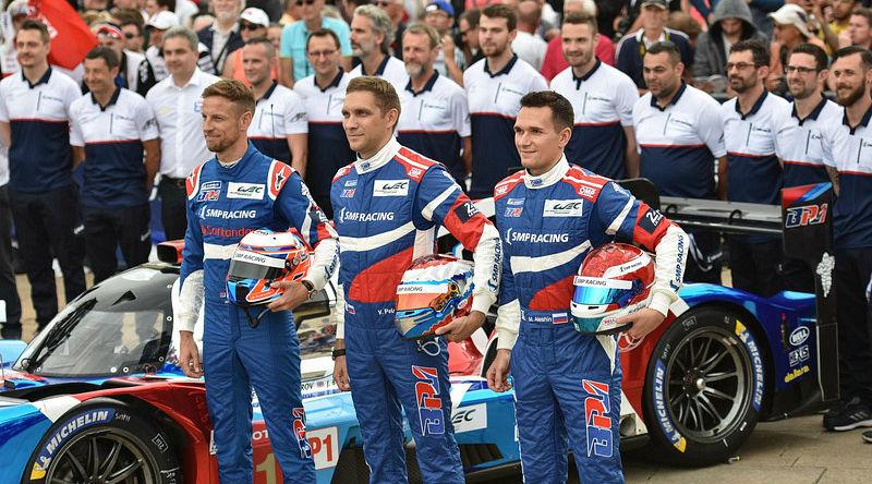 Дженсон Баттон, Виталий Петров и Михаил Алешин ©Фото LAT Images / ru.motorsport.com