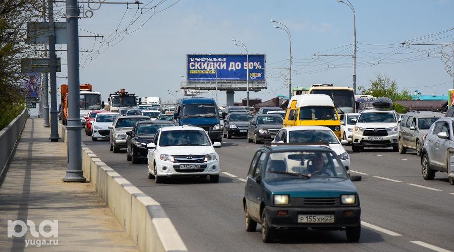 Транспорт ©Фото Елены Синеок, Юга.ру