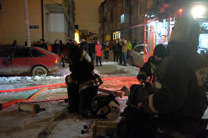 Пожар в самострое на улице Прокофьева в Краснодаре ©Фото Николая Хижняка, Юга.ру