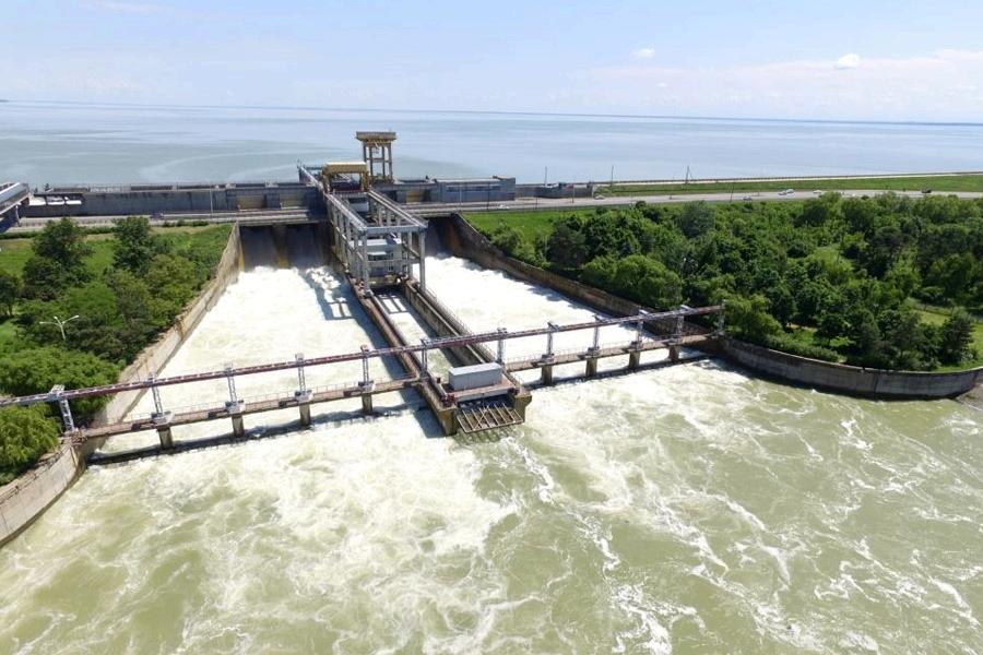 Водосброс Краснодарского водохранилища ©Фото Виталия Тимкива, Юга.ру