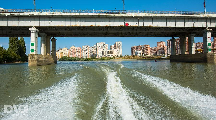Тургеневский мост через реку Кубань ©Фото Елены Синеок, Юга.ру