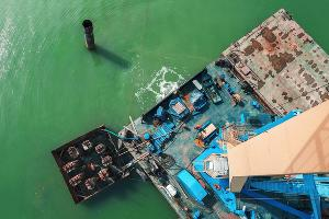У предприятия огромный опыт ликвидации объектов как на суше, так и на море ©Изображение предоставлено пресс-службой ООО «Газпром добыча Краснодар»