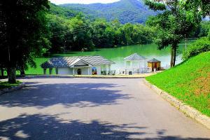 Курортное озеро в Нальчике ©Фото с сайта wikimedia.org