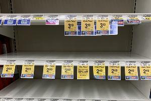 Пустые полки в продуктовом магазине Safeway в Калифорнии ©Фото Светланы Карслиоглу