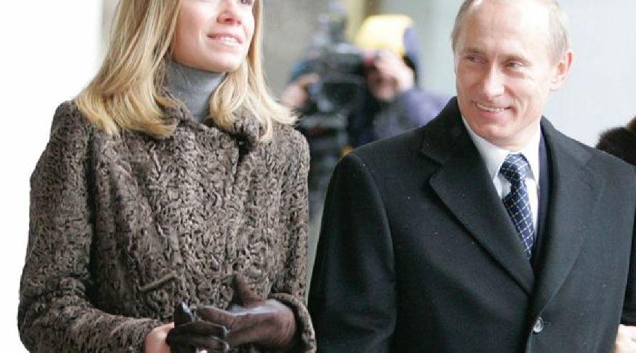 Мария Путина (предположительно) и Владимир Путин ©http://www.mirror.co.uk
