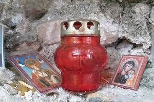 Древний храм в поселке Ахштырь ©Фото Юлии А., instagram.com/y2311_a