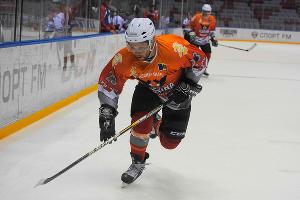 Ночная хоккейная лига проходит в Сочи ©Нина Зотина, ЮГА.ру
