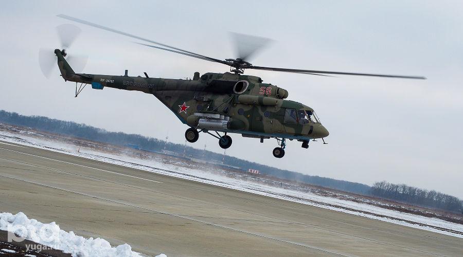 Вертолет Ми-8 на авиабазе в Кореновске ©Виталий Тимкив, Юга.ру