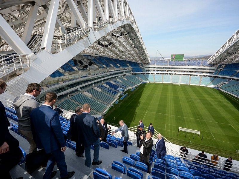 Губернатор Кубани ивице-премьер оценили готовность стадиона «Фишт» вСочи