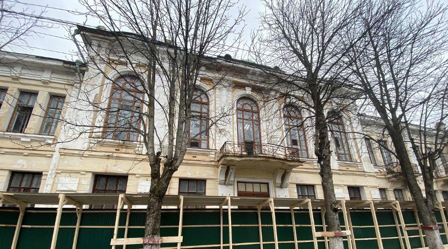 Дом офицеров в Майкопе ©Фото из инстаграма Мурата Кумпилова, www.instagram.com/muratkumpilov