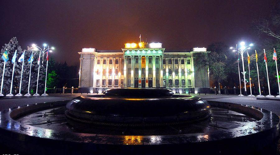 Законодательное собрание Краснодарского края ©Елена Синеок. ЮГА.ру