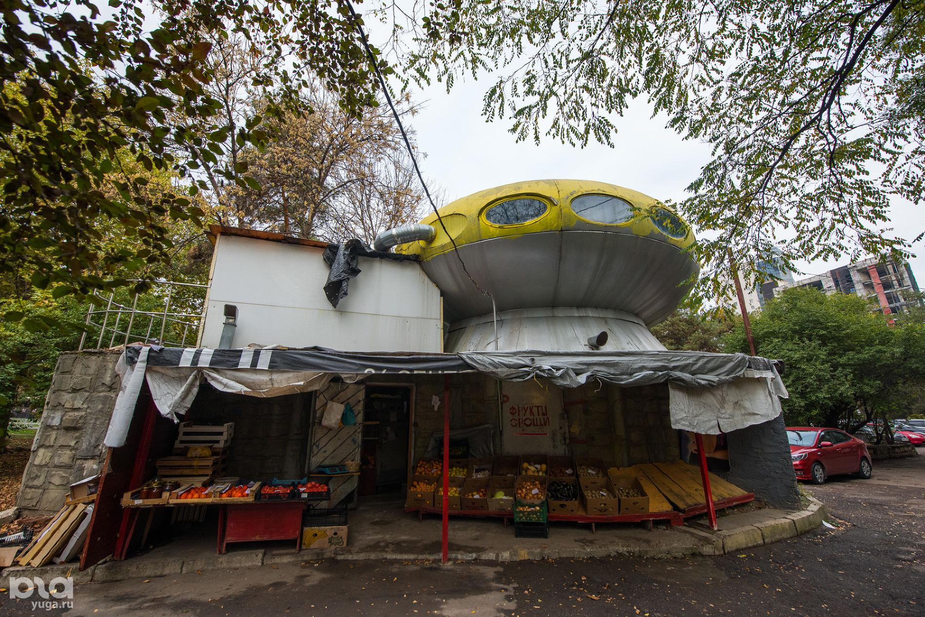 Бывшее кафе «Спутник», Краснодар, улица Атарбекова, 2020 год ©Фото Елены Синеок, Юга.ру
