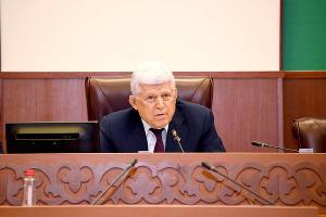 Хизри Шихсаидов ©Фото пресс-службы Народного собрания Дагестана