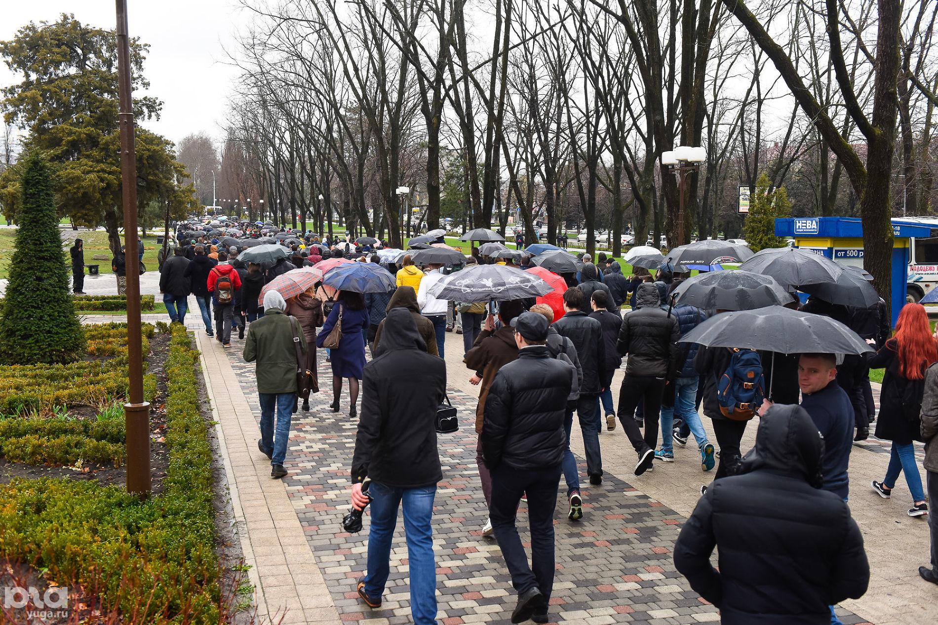 38% граждан России одобрили антикоррупционные митинги