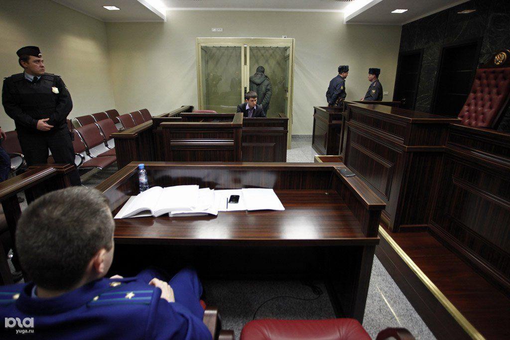 Замногомиллионный обман клиентов судят экс-директора автомобильного салона вКраснодаре
