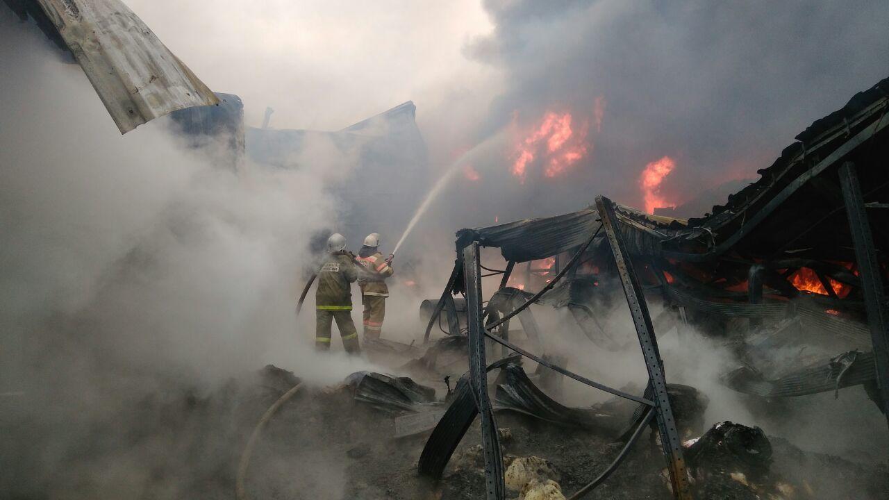 ВСеверском районе гасят пожар впроизводственном цехе