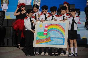 Детский карнавал в Геленджике ©Нелли Плис, ЮГА.ру