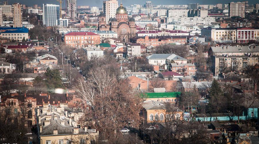 Новое колесо обозрения в Городском саду в Краснодаре ©Елена Синеок, ЮГА.ру
