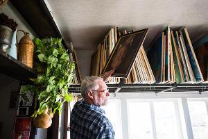 В мастерской Алексея Паршкова ©Фото Елены Синеок, Юга.ру