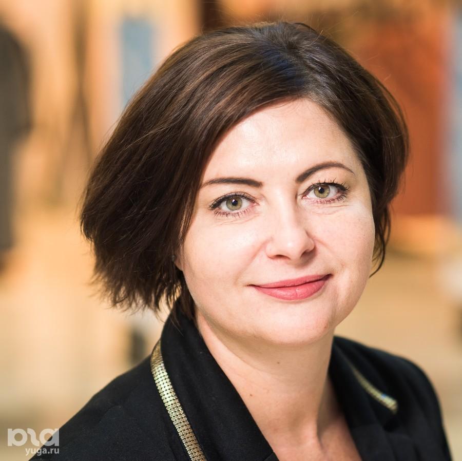 Анна Сакова