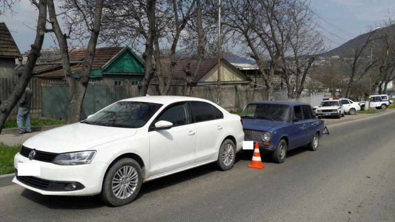 ВПятигорске шофёр автомобиля скончался впробке
