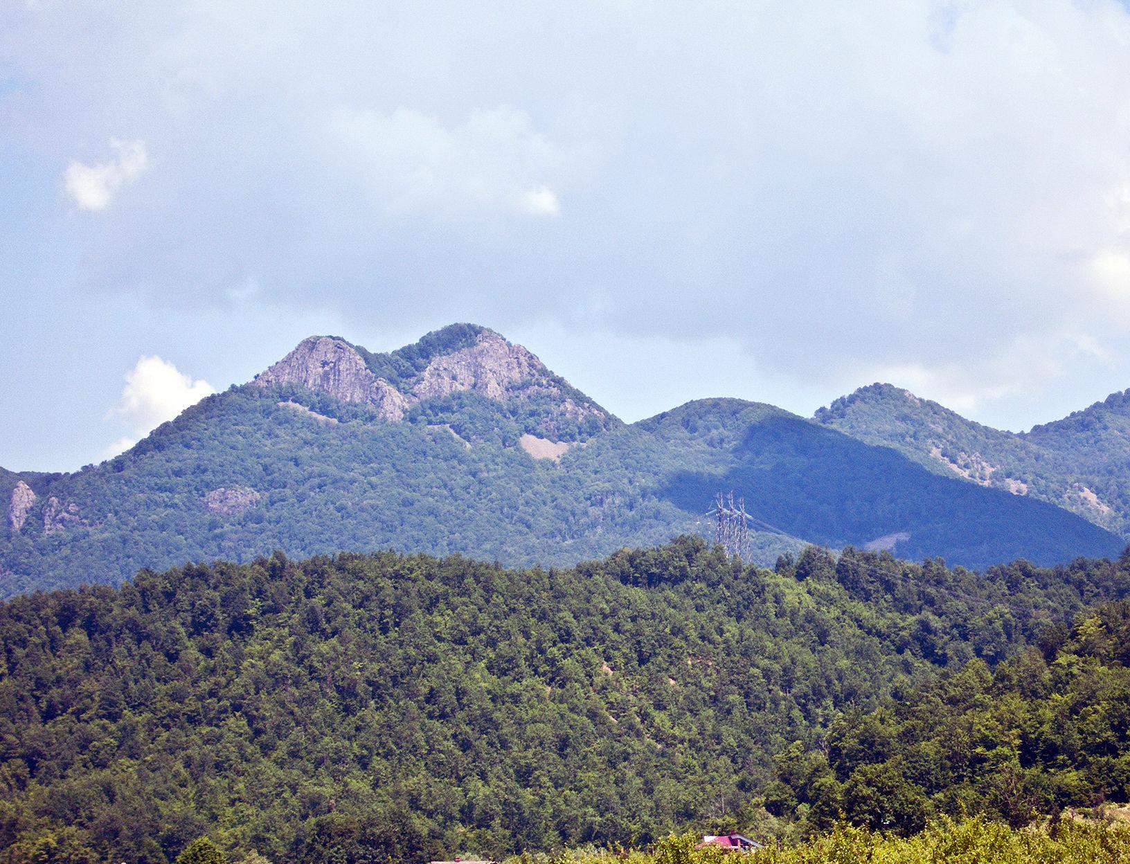 Вид на гору Два Брата ©Фото Олега Зимина, wikipedia.org