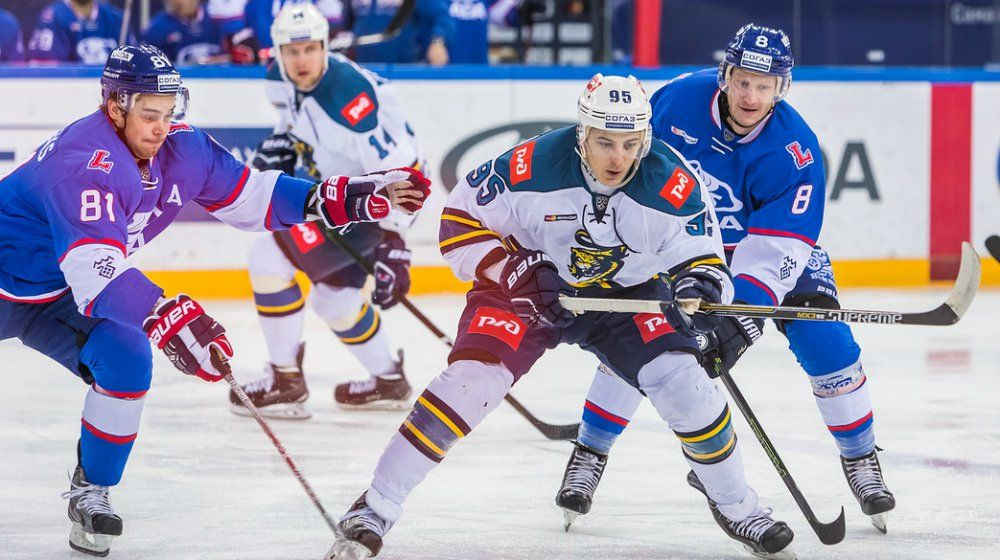 Тольяттинская «Лада» прерывает серию поражений, обыграв домаХК «Сочи»