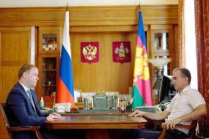 Василий Швец и Вениамин Кондратьев ©Фото пресс-службы администрации Краснодарского края