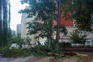 Ураганный ветер в Ростове-на-Дону ©http://rostov-don.livejournal.com/