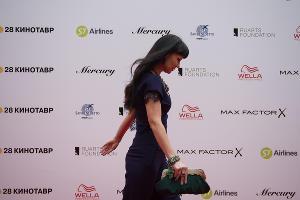 Нонна Гришаева на открытии фестиваля «Кинотавр» в Сочи  ©Фото Артура Лебедева, Юга.ру