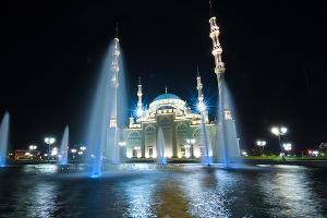"""Мечеть """"Сердце Чечни"""" в Грозном ©Фото Елены Синеок, Юга.ру"""