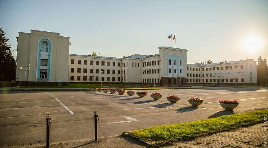 Дом правительства Карачаево-Черкесии ©Фото пресс-службы главы и правительства КЧР