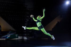 Гандбольный клуб «Кубань» представил талисмана команды — кубазонку-воительницу Куби ©Фото с официального сайта ГК «Кубань», http://whckuban.ru