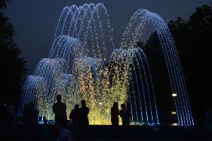 """Фонтан перед кинотеатром """"Аврора"""" в Краснодаре ©Михаил Ступин, ЮГА.ру"""