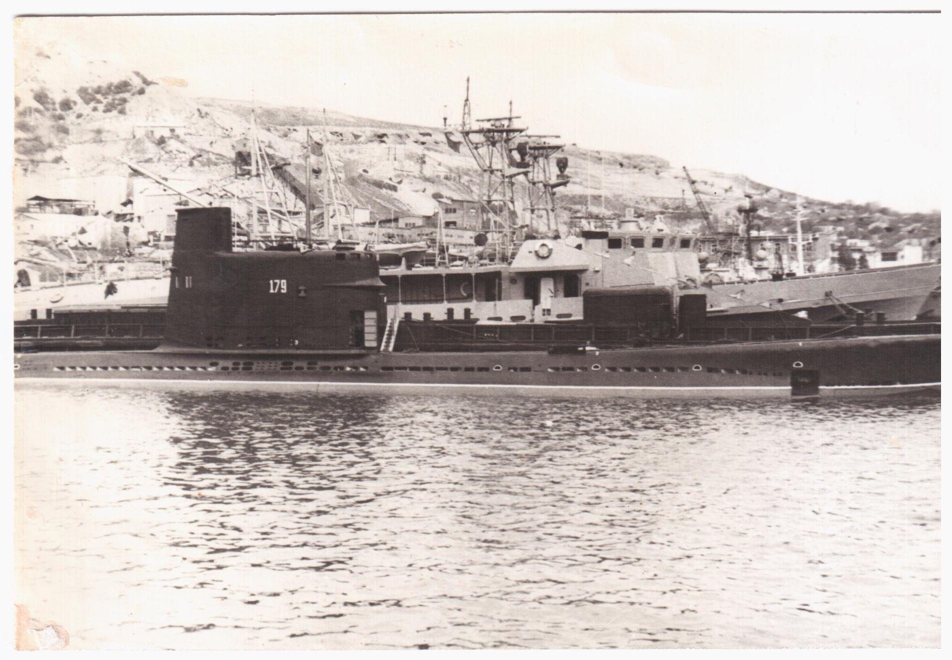 ПЛ М-261 в Балаклавской бухте, 1970-е годы ©Фото с сайта forums.airbase.ru