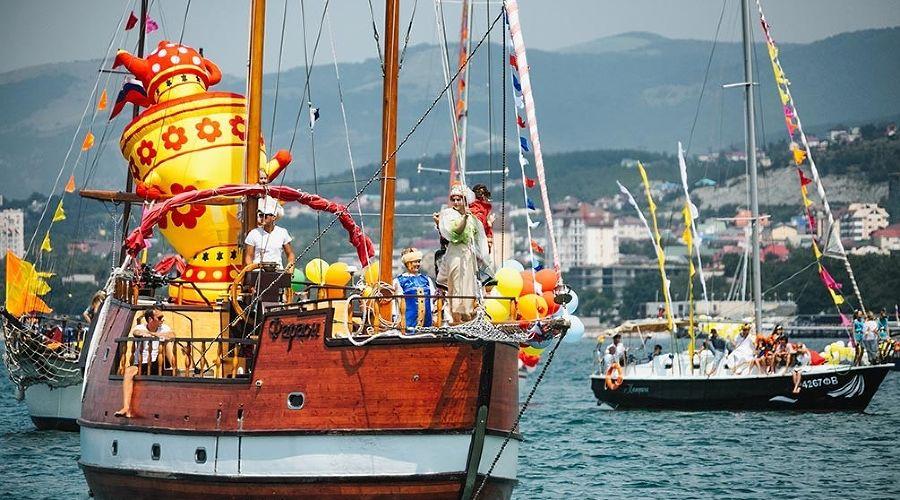 Карнавал на воде, Геленджик ©Фото пресс-службы администрации Геленджика