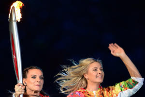 Церемония открытия XXII зимних Олимпийских игр в Сочи. Елена Исинбаева и Мария Шарапова ©РИА Новости