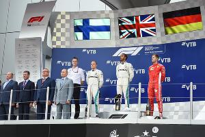 Подиум Гран-при России «Формулы-1» в Сочи, сентябрь 2018 ©Фото Екатерины Лызловой, Юга.ру