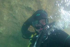 Дайвер под водой ©Фото из архива экспедиции, предоставил Юрий Кашин