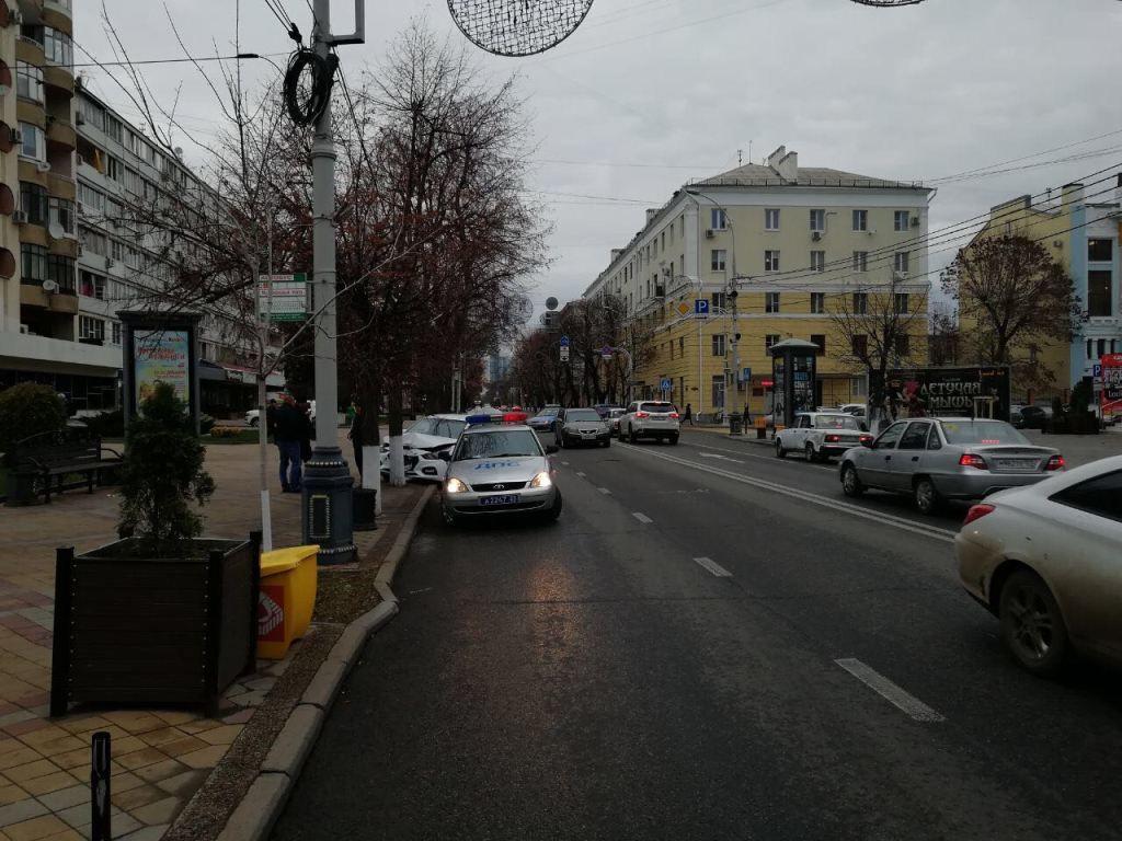 Вцентре Краснодара шофёр иномарки сбил ребенка