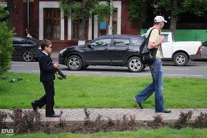 """Флешмоб """"Люди в черном"""" в Краснодаре ©Елена Синеок. ЮГА.ру"""