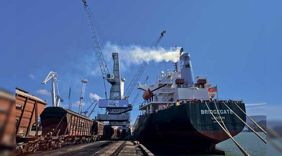 Туапсинский морской торговый порт ©Изображение с сайта tmtp.ru