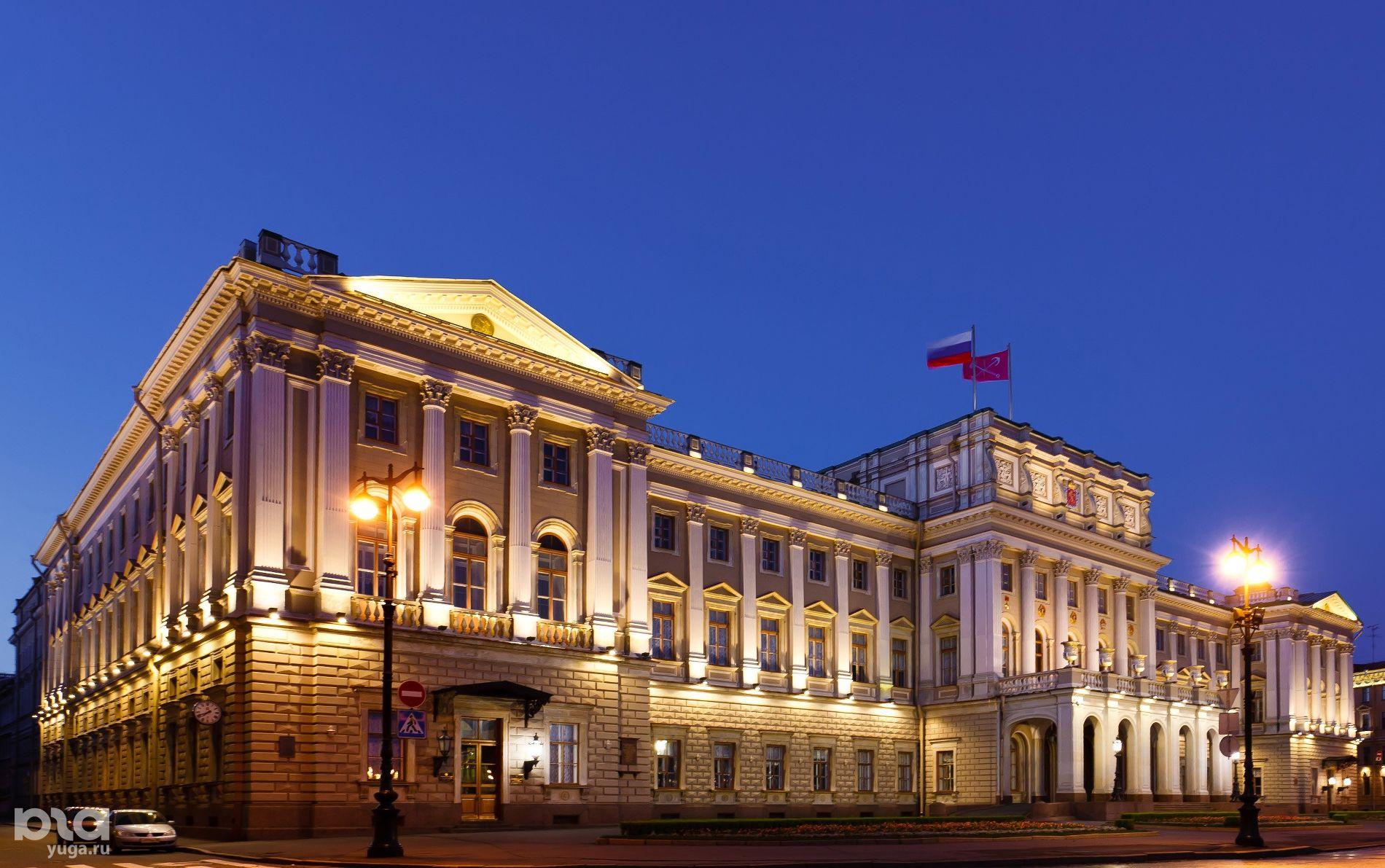 На фасаде здания Законодательного собрания Санкт-Петербурга кондиционеров нет ©Фото с сайта wikimedia.org