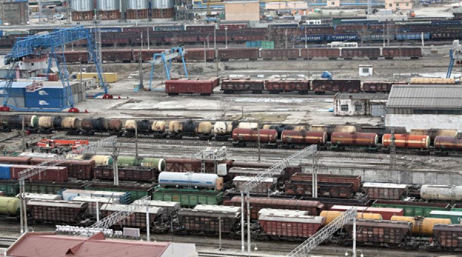 грузовые поезда на подходе к порту ©пресс-служба Северо-Кавказской железной дороги